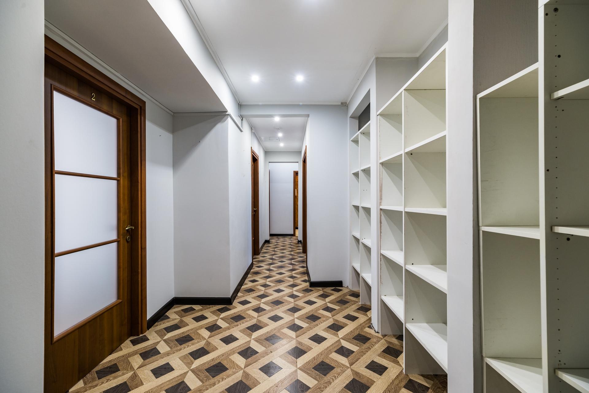 офис с отдельным входом 8