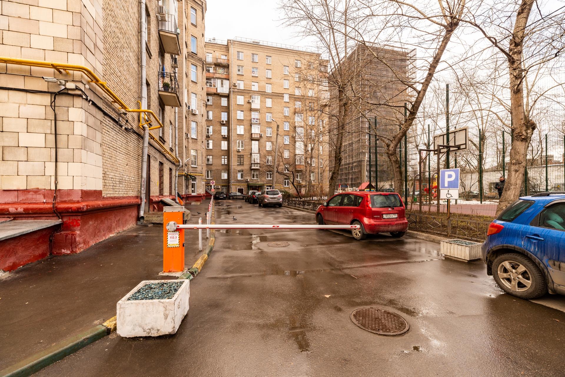 Окна на Кутузовский проспект 17