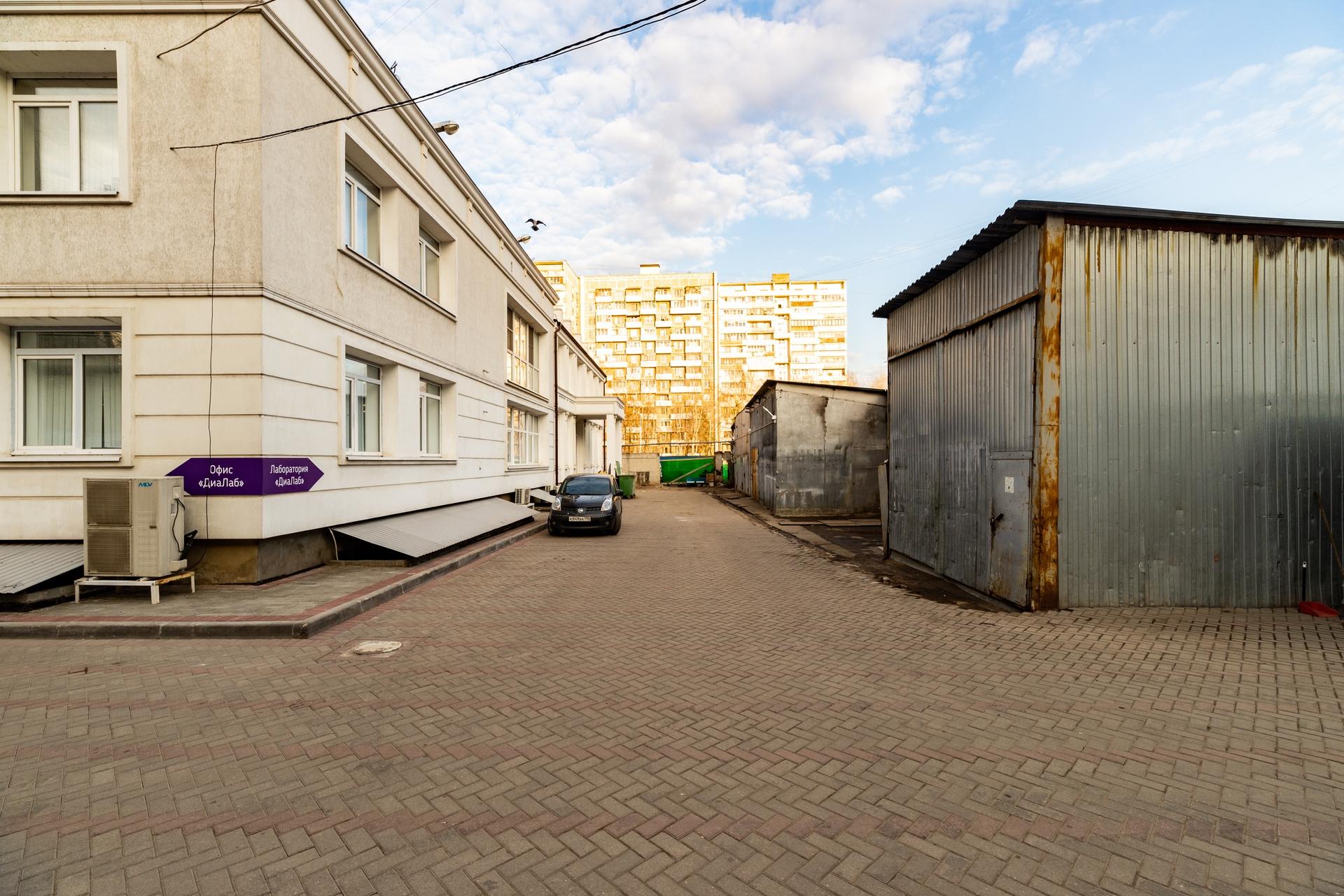Здание 2000 кв + участок 31 сотка 8
