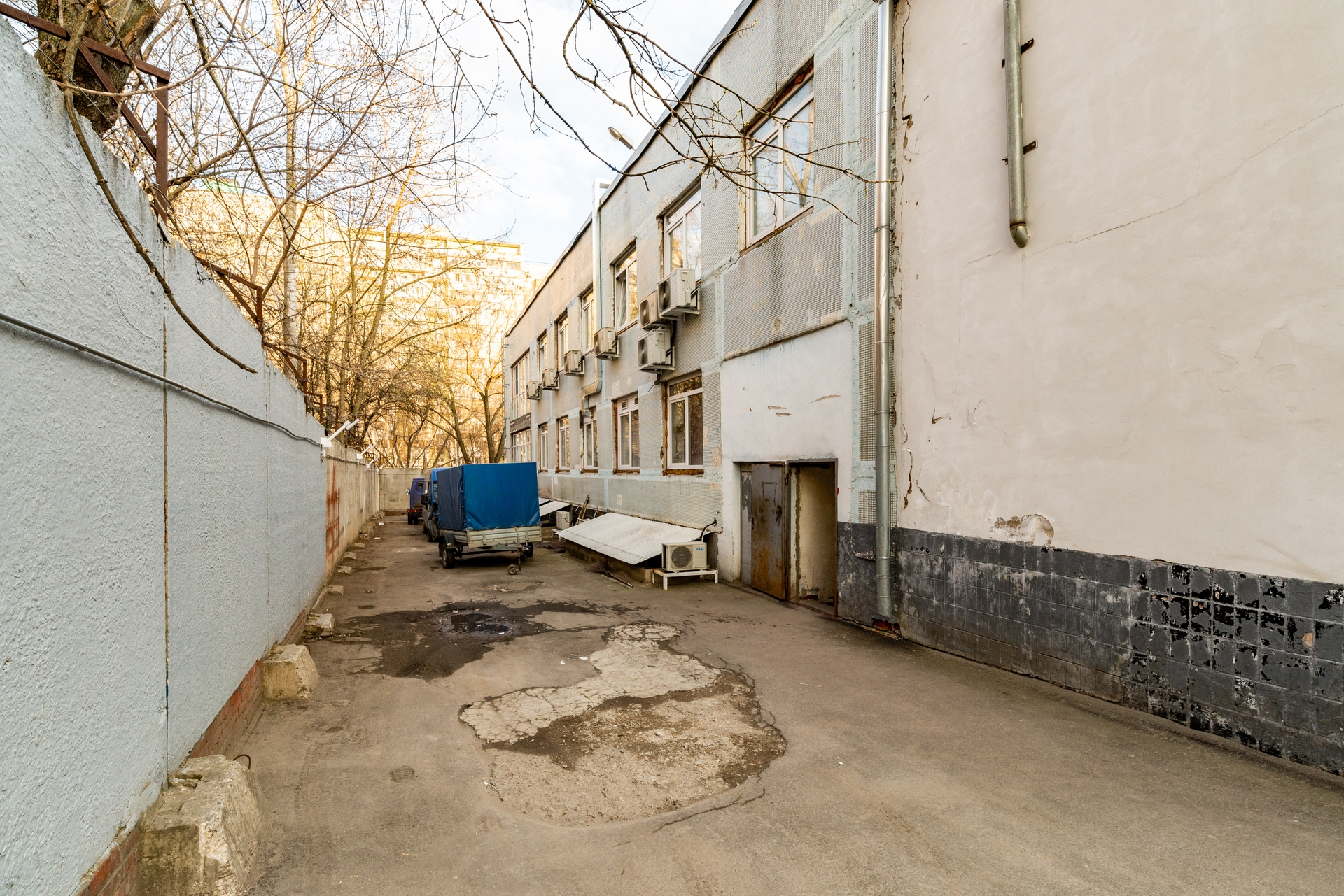 Здание 2000 кв +участок 31 сотка 12