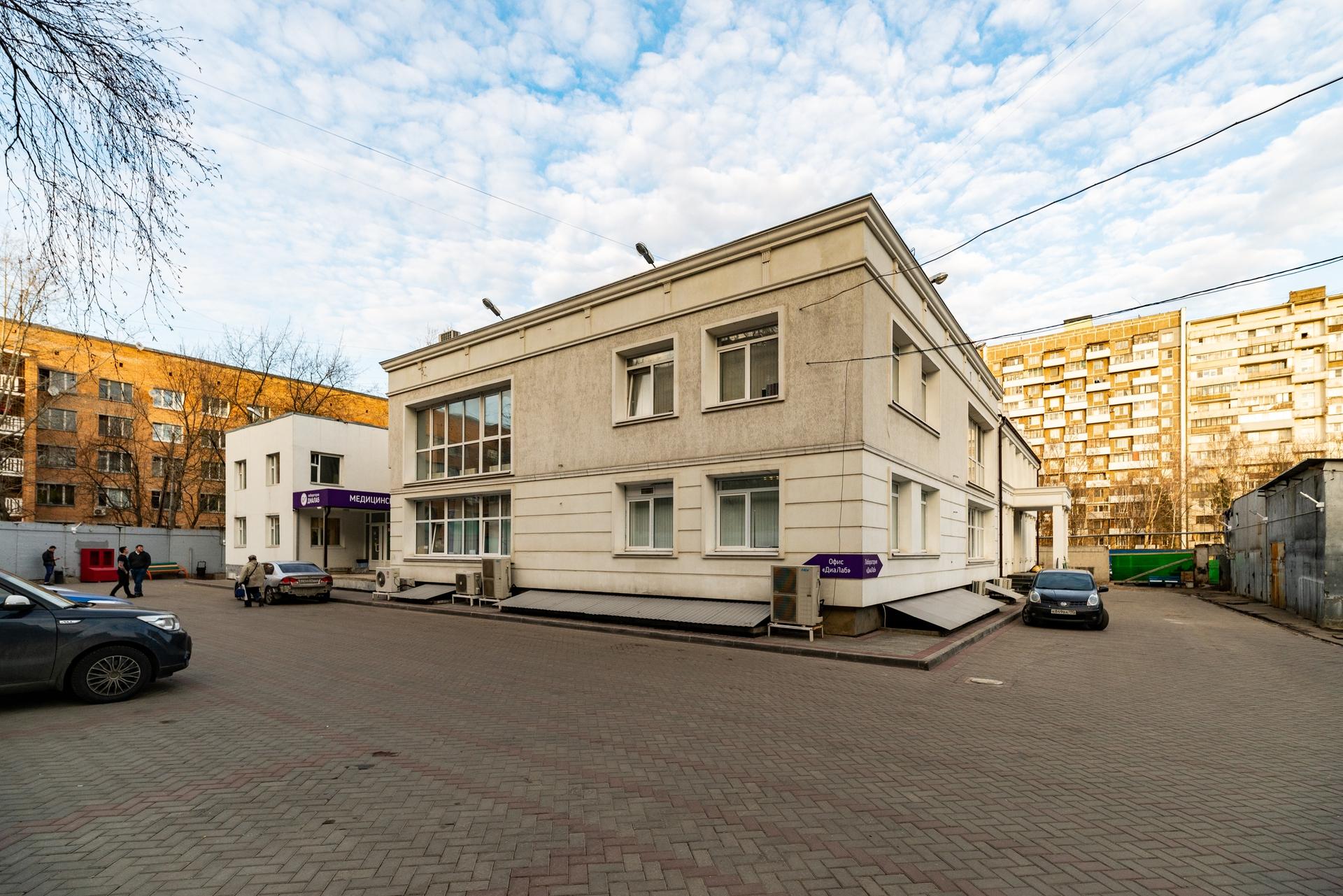 Здание 2000 кв +участок 31 сотка 14