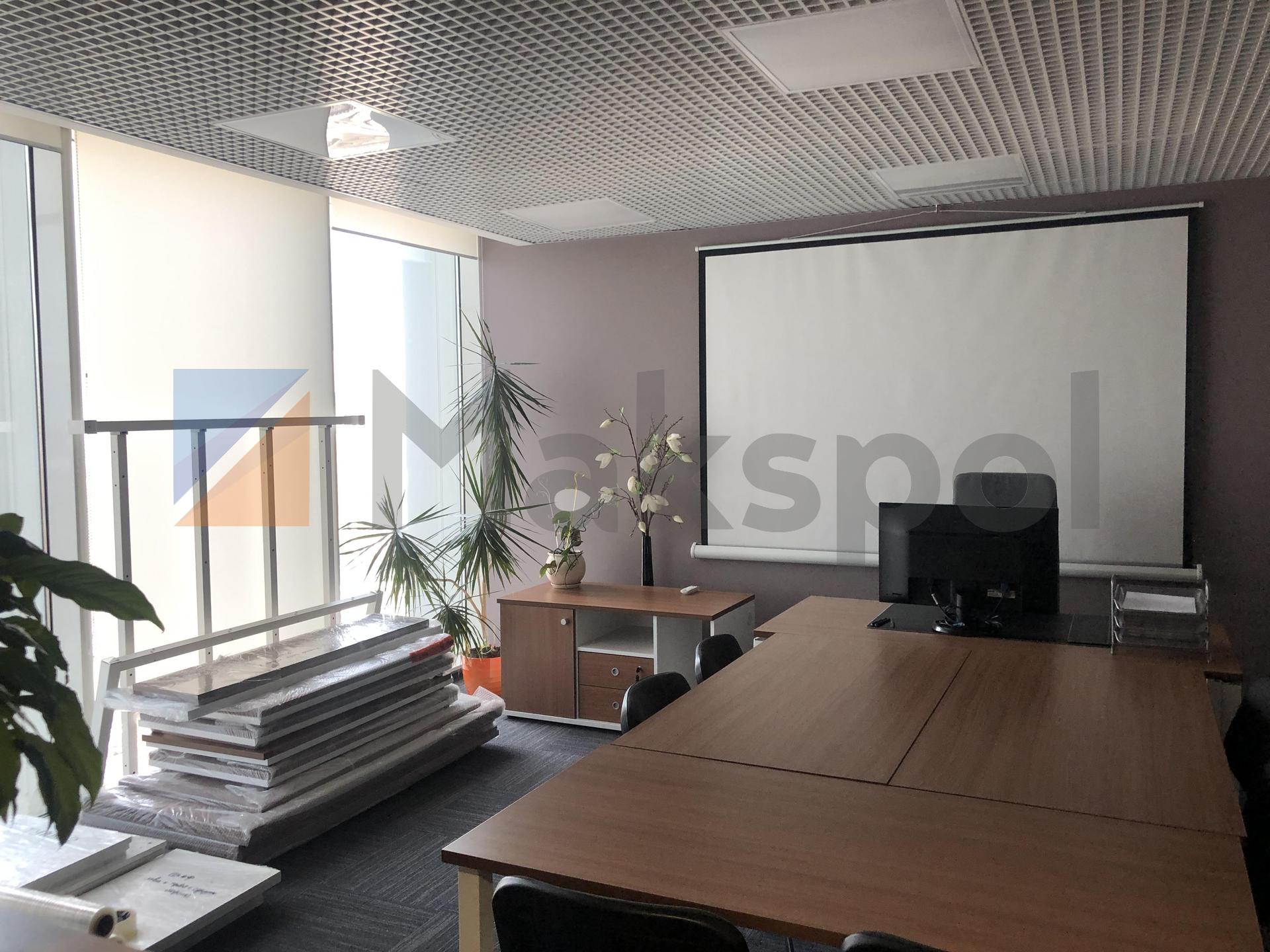 просторный офис на 18 этаже  2