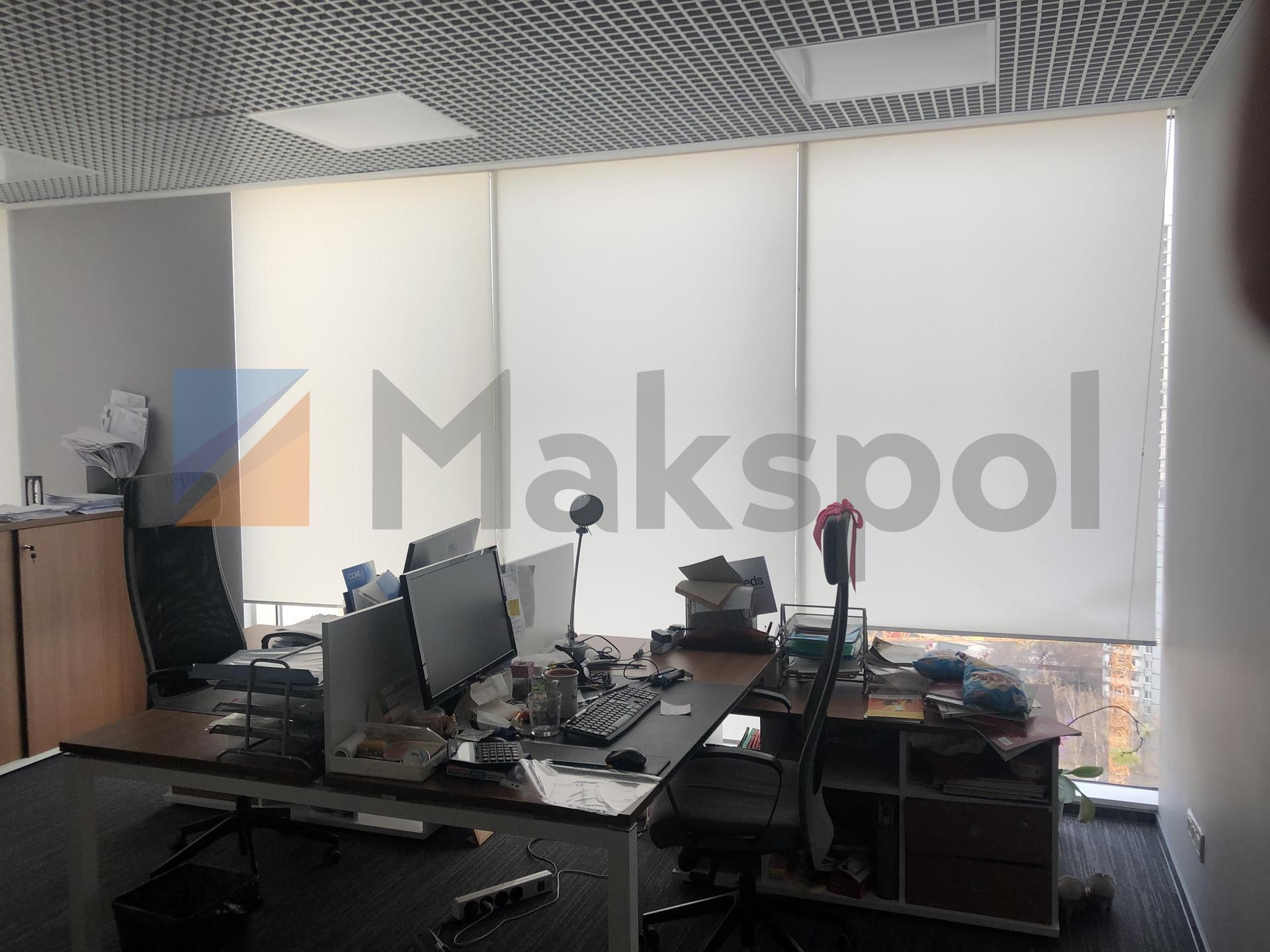просторный офис на 18 этаже  4
