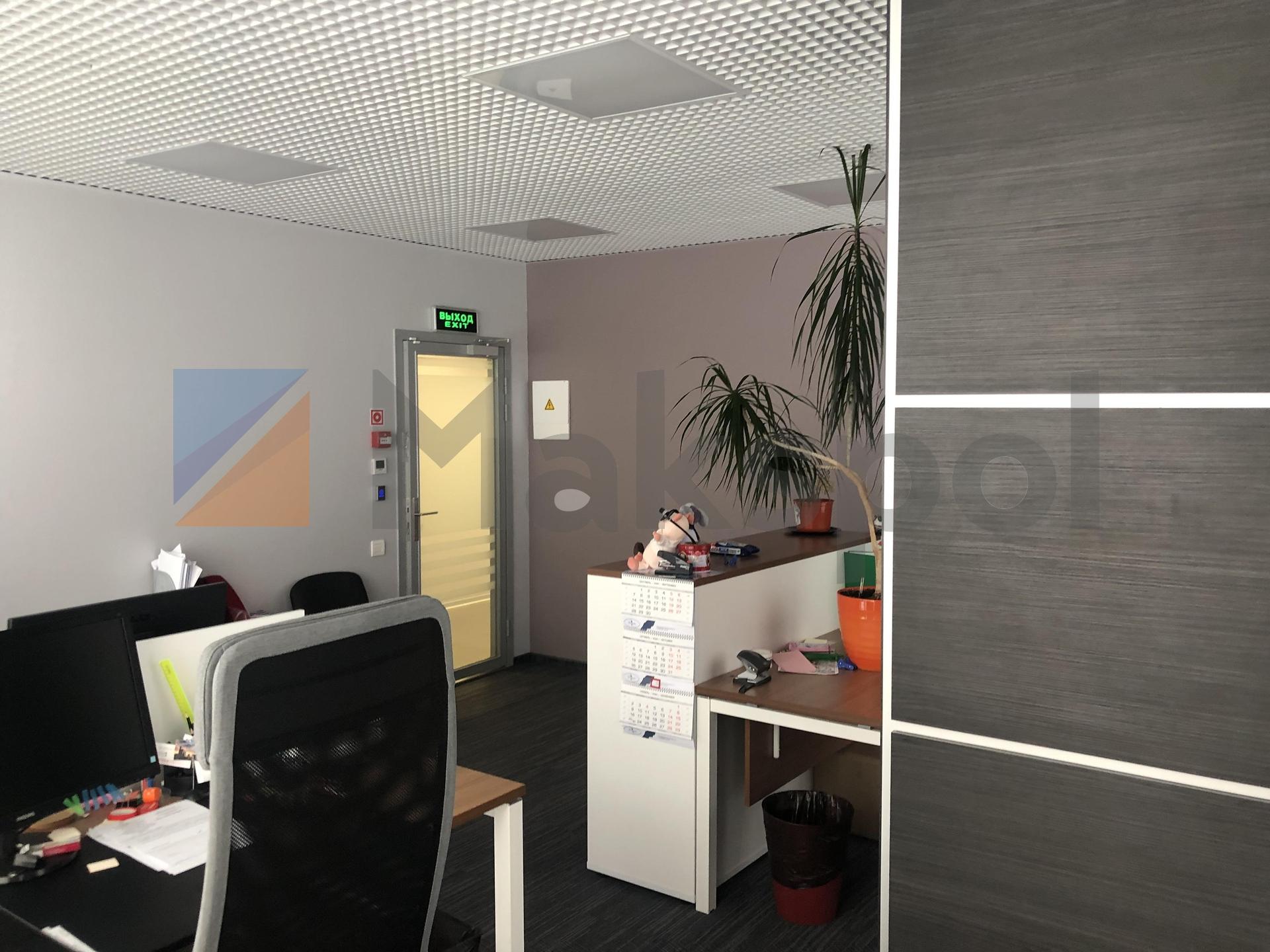 просторный офис на 18 этаже  8