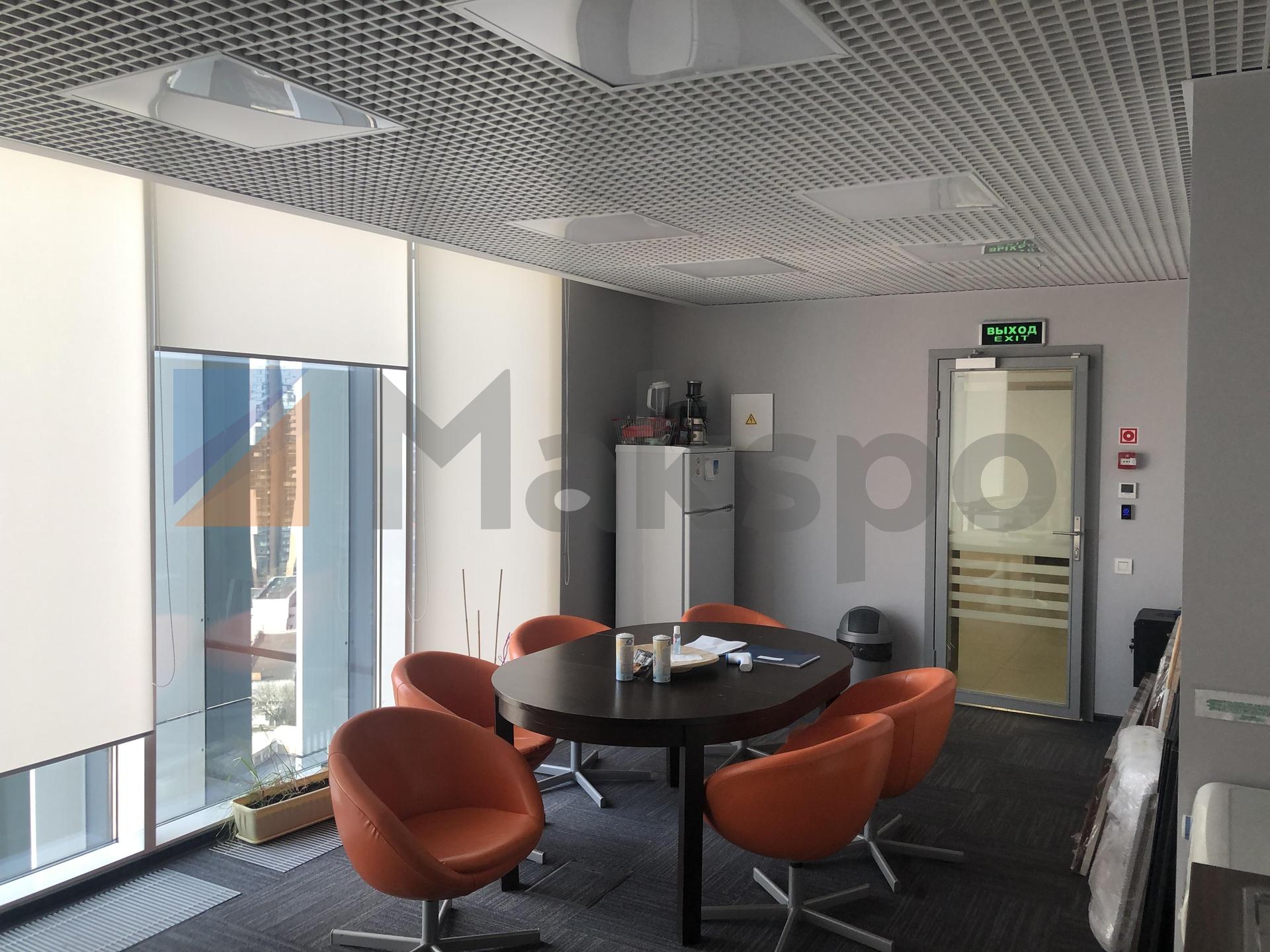 просторный офис на 18 этаже  1
