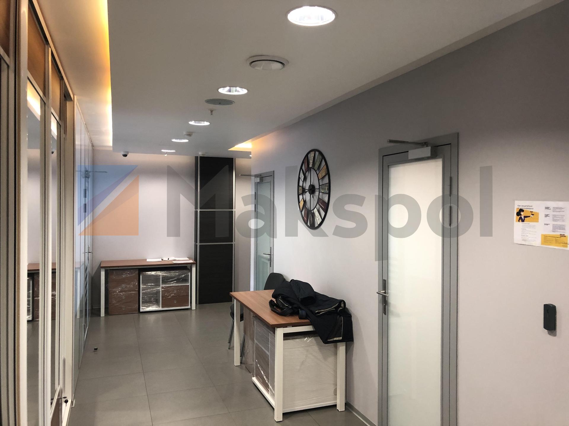 просторный офис на 18 этаже  3