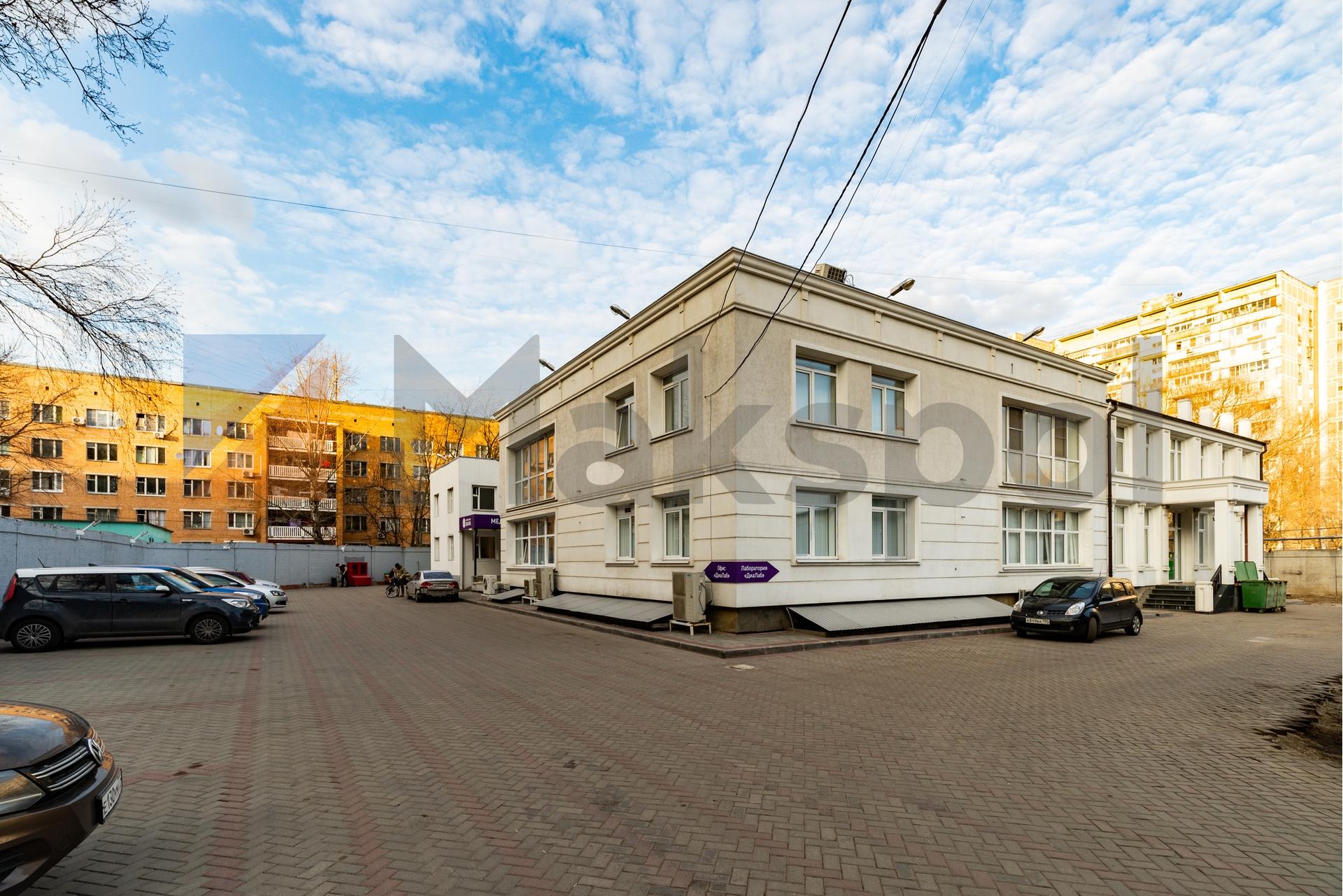 Здание 2000 кв +участок 31 сотка 2