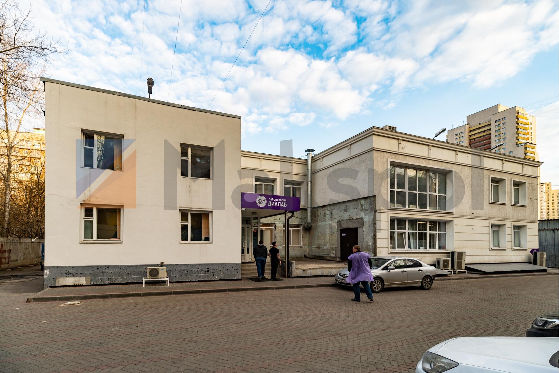 Здание 2000 кв +участок 31 сотка 3