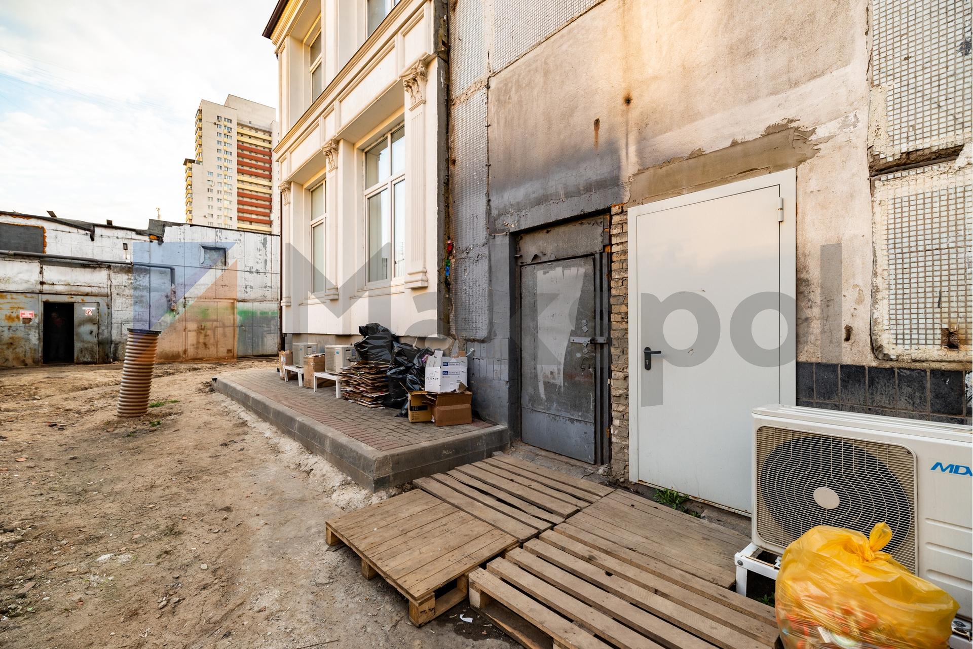Здание 2000 кв +участок 31 сотка 13