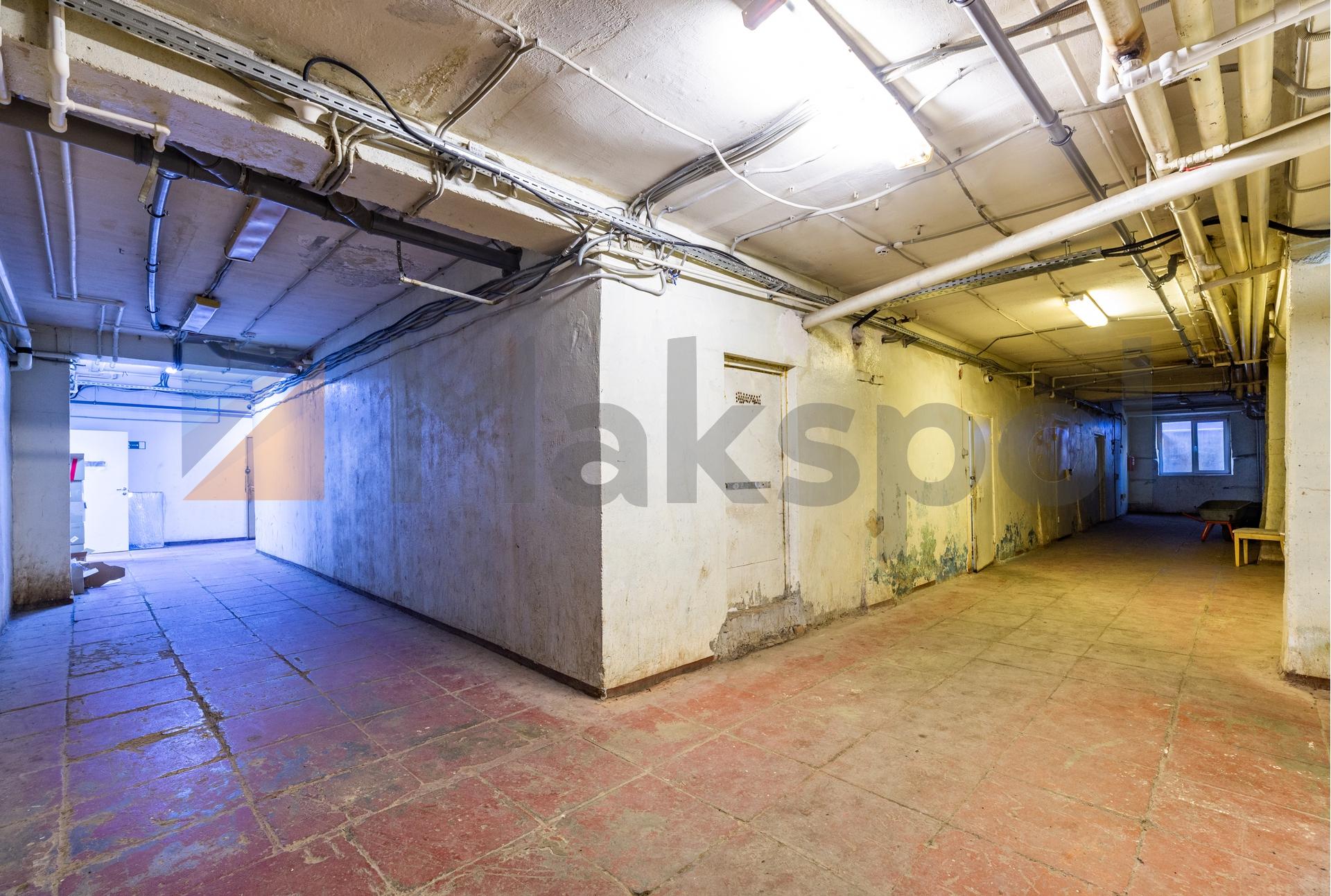 Здание 2000 кв +участок 31 сотка 16