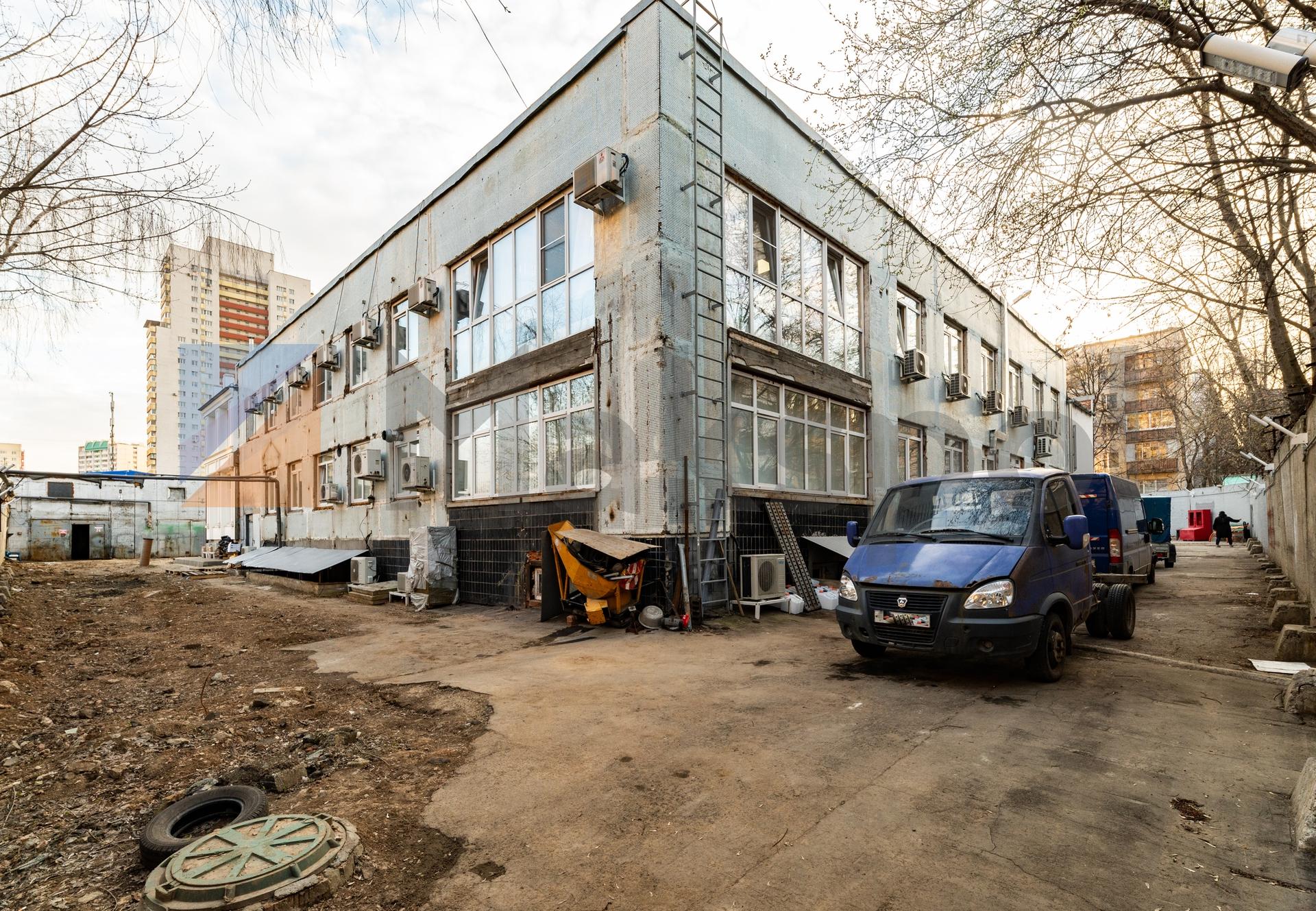 Здание 2000 кв +участок 31 сотка 6