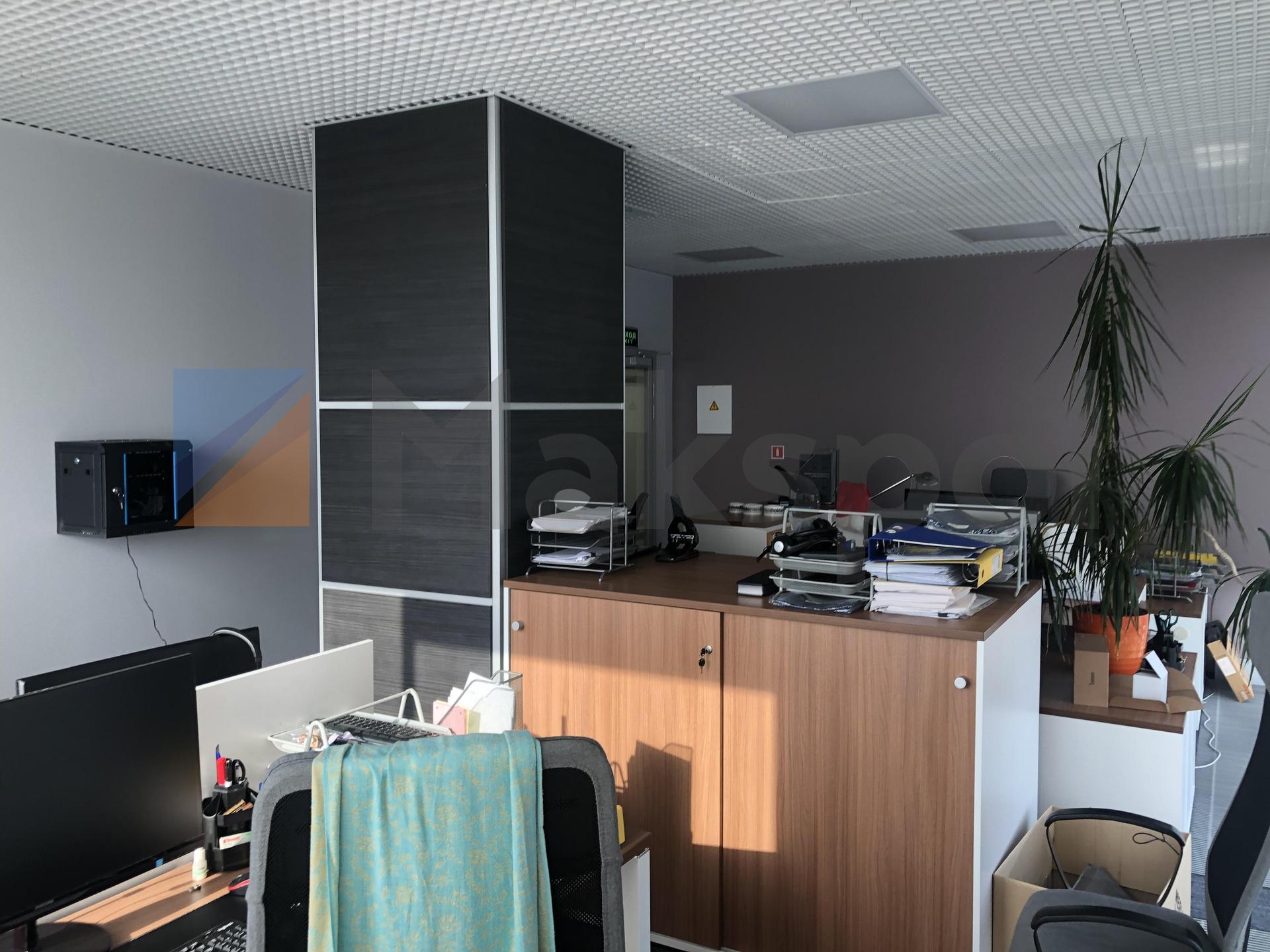 просторный офис на 18 этаже  7