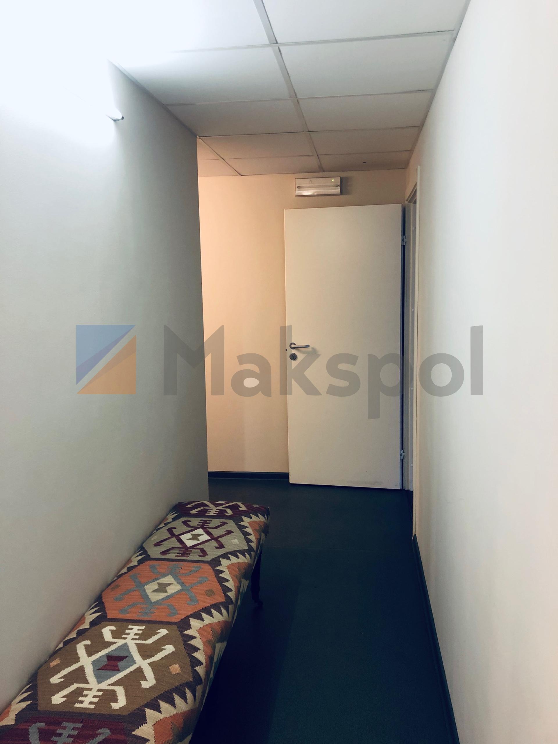 Офис рядом с Маяковской 18
