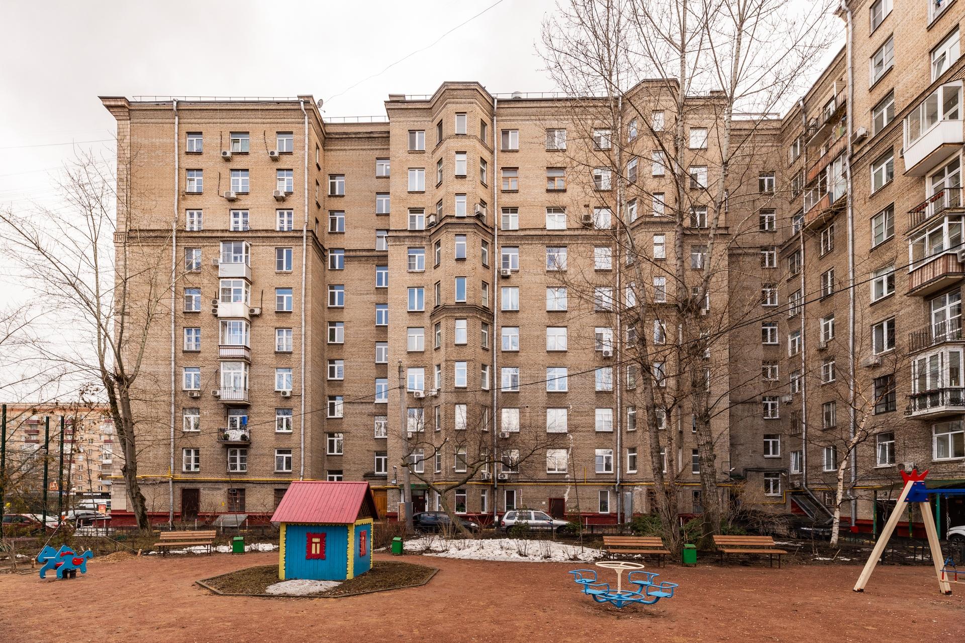 Окна на Кутузовский проспект 16